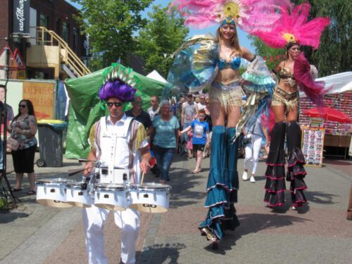 duo samba queens met percussie